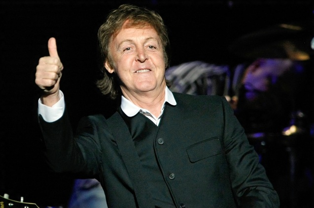 18 de Junho - 1942 - Paul McCartney - cantor e compositor inglês.