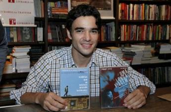 2 de Junho - 1980 - Caio Blat de Oliveira, ator brasileiro - Recebendo convidados em lançamento de DVD do filme 'Uma longa viagem_.