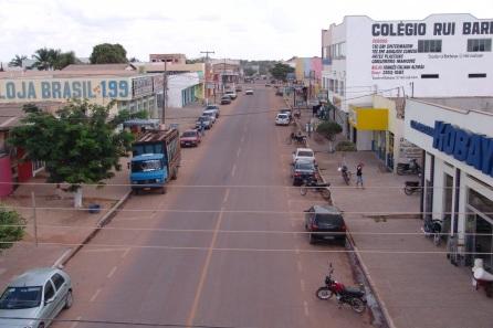2 de Junho - Rua da cidade de Guarantã do Norte, no Mato Grosso.
