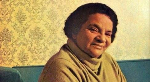 20 de Junho - 1988 - Aracy de Almeida, cantora brasileira (n. 1914).