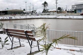 21 de Junho - Praça Frederico Arbegaus em 2013 - O clima frio da cidade também merece destaque. Em julho de 2013 o município registrou a maior nevasca já ocorrida. — Santa Cecília