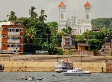 22 de Junho - A Igreja vista do Rio — Santarém (PA) — 356 Anos.