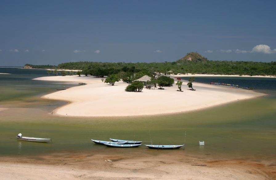 22 de Junho - Alter do Chão - a praia de água doce mais bonita do mundo segundo o jornal The Guardian — Santarém (PA) — 356 Anos.