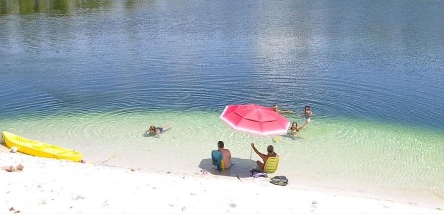 23 de Junho - Praia — Esplanada (BA) — 86 Anos.