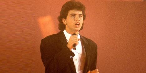 24 de Junho - 1970 – Glenn Medeiros, cantor e compositor norte-americano.