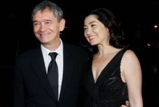 29 de Junho — Serginho Groisman e a esposa, Fernanda Molina, no casamento de Tiago Leifert.
