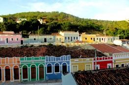 3 de Junho - Arquitetura cheia de cores na cidade - Piranhas (AL) - 130 Anos.