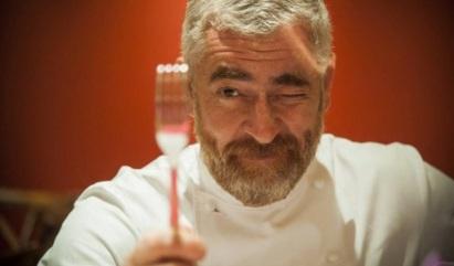 3 de Junho - O chef Alex Atala em passagem pelo Rio - Adriana Lorete para O Globo.