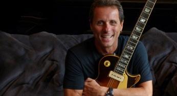 30 de Junho — 1959 – Tony Bellotto, guitarrista, escritor e apresentador de televisão brasileiro.