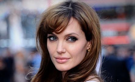 4 de Junho - 1975 - Angelina Jolie - atriz, cineasta, ativista humanitária estadunidense.
