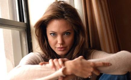 4 de Junho - 1975, Angelina Jolie, atriz, cineasta, ativista humanitária estadunidense.