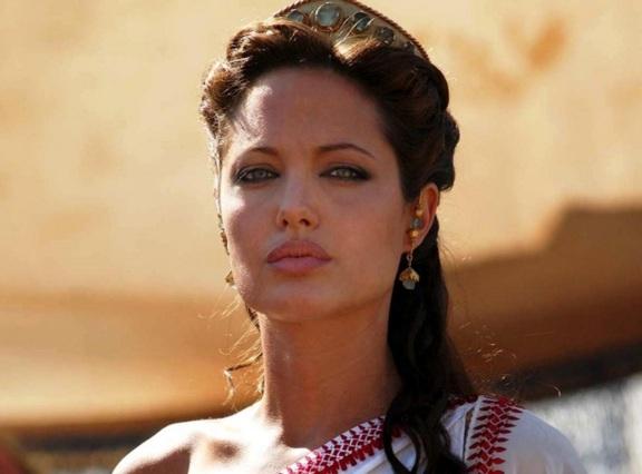 4 de Junho - 1975, Angelina Jolie, atriz, cineasta e ativista humanitária - Cleópatra.