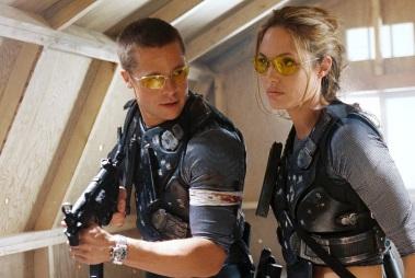 4 de Junho - Brad Pitt e Angelina Jolie no filme 'Senhor e senhora Smith', em 2005.