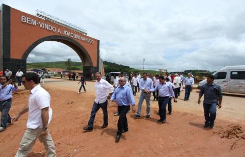 4 de Junho - O ex-Governador, Eduardo Campos, visitando a cidade - Joaquim Nabuco (PE) - a Terra do Açucar.