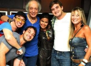 5 de Junho - 1941 - Erasmo Carlos, cantor, compositor, músico e escritor brasileiro - com a família.