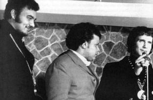 5 de Junho - 1941 - Erasmo Carlos, cantor, compositor, músico e escritor brasileiro - com Roberto Carlos e Tim Maia.
