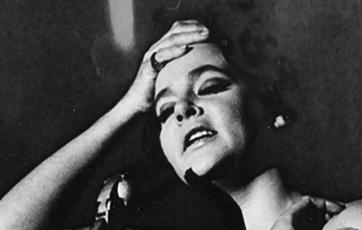 6 de Junho - 1936 – Maysa Matarazzo, cantora e compositora brasileira, interpretando uma canção.