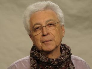 7 de Junho - 1943 – Aguinaldo Silva, dramaturgo, escritor, roteirista, jornalista, cineasta e telenovelista brasileiro.