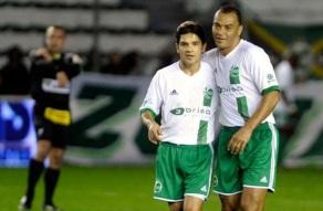 7 de Junho - 1970 – Cafu, ex-futebolista brasileiro - lateral direito, campeão do mundo - no Juventude ao lado de Lauro.
