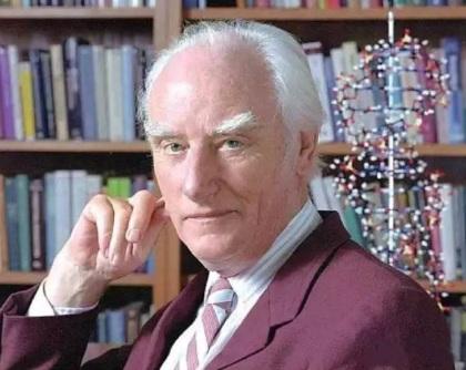 8 de Junho - 1916 – Francis Crick, cientista britânico (m. 2004).