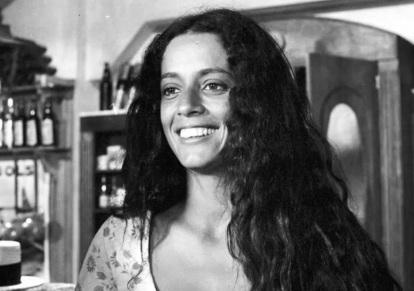8 de Junho - 1950 – Sônia Braga, atriz brasileira - jovem, foto pb.