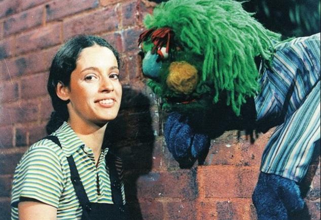8 de Junho - Sônia Braga participou da versão brasileira de Sesame Street, chamada Vila Sésamo, no início da década de 1970.