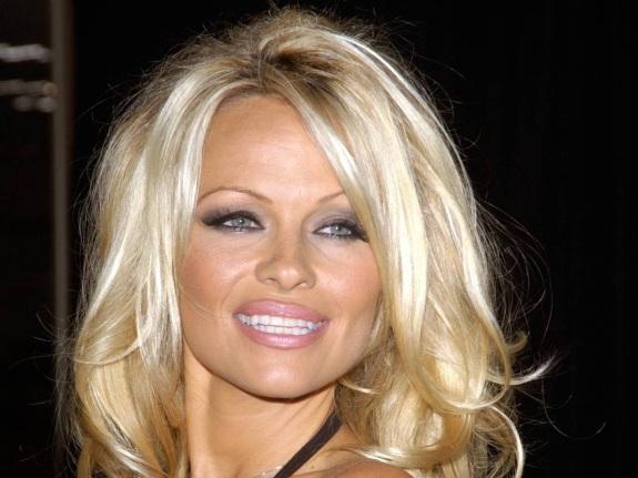 1 de Julho - 1967 – Pamela Anderson, atriz e modelo canadense.