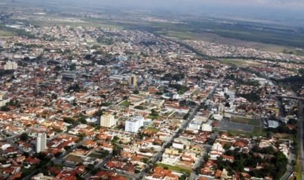 10 de Julho – Tomada aérea da cidade — Pindamonhangaba (SP) — 312 Anos em 2017.