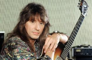 11 de Julho – 1959 – Richie Sambora, guitarrista americano da banda Bon Jovi.