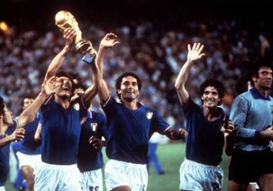 11 de Julho – 1982 – A seleção de futebol da Itália conquistou pela terceira vez o título de Campeã do Mundo, após vencer a seleção da Alemanha por 3 x 1.