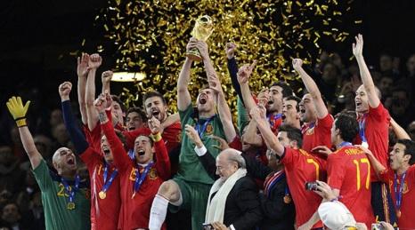 11 de Julho – 2010 – A seleção de Futebol da Espanha vence pela primeira vez o campeonato mundial de futebol.