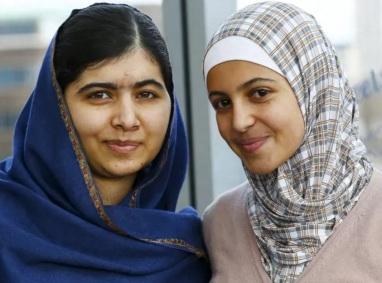 12 de Julho – Malala Yousafzai - 1997 – 20 Anos em 2017 - Acontecimentos do Dia - Foto 9 - Com a refugiada síria Muzoon.