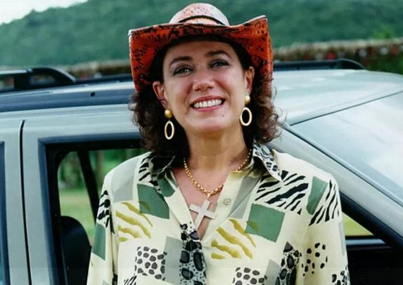 13 de Julho – Lília Cabral - 1957 – 60 Anos em 2017 - Acontecimentos do Dia - Foto 16 - Como Daphne, em 'Estrela-Guia' de 2001