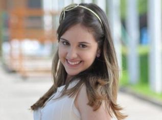14 de Julho — 1999 — Clara Tiezzi, atriz brasileira.