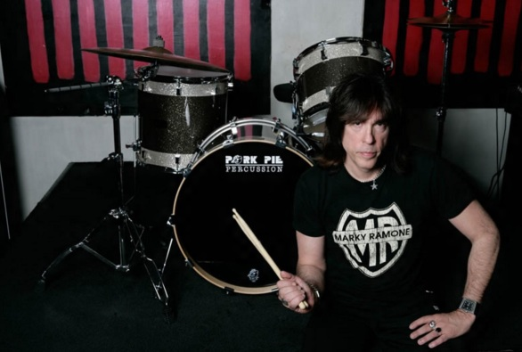 15 de Julho - 1956 – Marky Ramone, músico norte-americano (The Ramones).