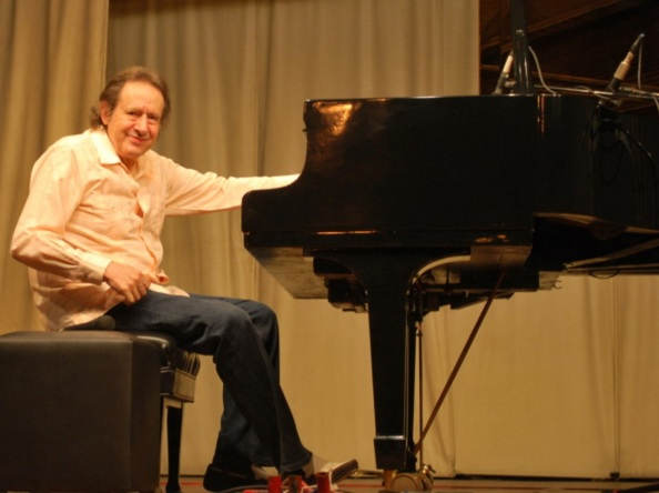 16 de Julho - 1940 – Arthur Moreira Lima, pianista brasileiro.