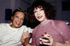 16 de Julho - Elizeth Cardoso - 1920 – 97 Anos em 2017 - Acontecimentos do Dia - Foto 11 - Com a cantora Marlene.