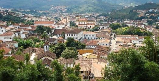 16 de Julho - Vista parcial da cidade a partir da Igreja de São Pedro — Mariana (MG) — 321 Anos em 2017.
