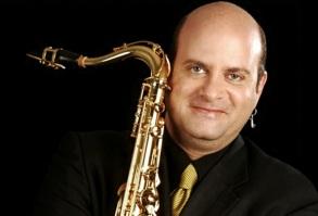 17 de Julho - 1966 – Derico, saxofonista brasileiro.