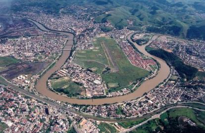 17 de Julho - Foto aérea da cidade - Curva do Rio Paraíba (Barreira Cravo) — Volta Redonda (RJ) — 63 Anos em 2017.