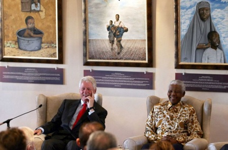 18 de Julho - Nelson Mandela - 1918 – 99 Anos em 2017 - Acontecimentos do Dia - Foto 16 - Com Bill Clinton.