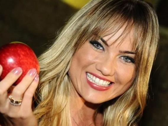19 de Julho - 1979 – Ellen Rocche, modelo e atriz brasileira.