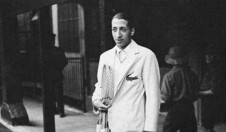 2 de Julho - 1904 – René Lacoste, tenista e empresário francês (m. 1996).