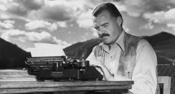 2 de Julho - 1961 — Ernest Hemingway, escritor norte-americano (n. 1899).