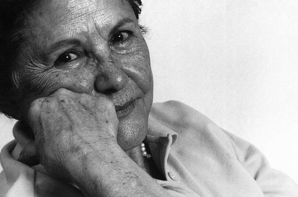 2 de Julho - Zélia Gattai, escritora brasileira.