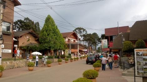 20 de Julho - Rua da Vila Monte Verde — Camanducaia (MG) — 149 Anos em 2017.