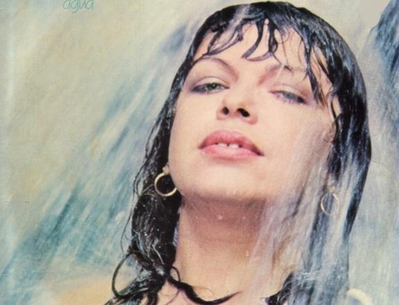 21 de Julho - 1950 – Amelinha, cantora e compositora brasileira.