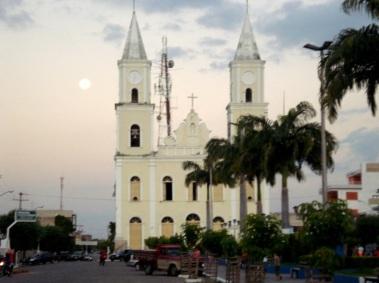 21 de Julho - Igreja Matriz, uma das igrejas mais antigas da cidade, na Praça Getúlio Vargas, no Centro da cidade — Pombal (PB) — 155 Anos em 2017.