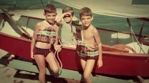 22 de Julho - Torben Grael - 1960 – 57 Anos em 2017 - Acontecimentos do Dia - Foto 11 - Os irmãos ainda pequenos. Da esquerda para a direita, Axel, Lars e Torben Grael.