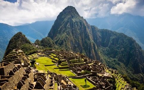 24 de Julho - 1911 – Hiram Bingham descobre a cidade inca de Machu Picchu, no Peru.